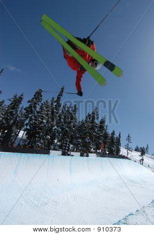 Pipe Skier