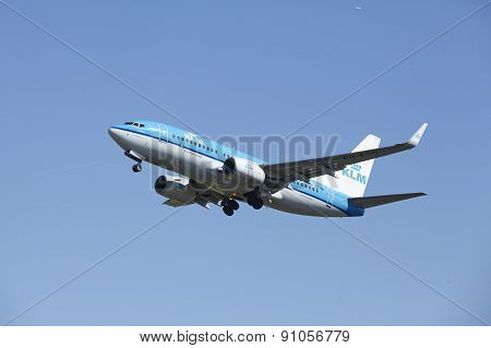 Amsterdam Airport Schiphol - Boeing 737 Of Klm Takes Off