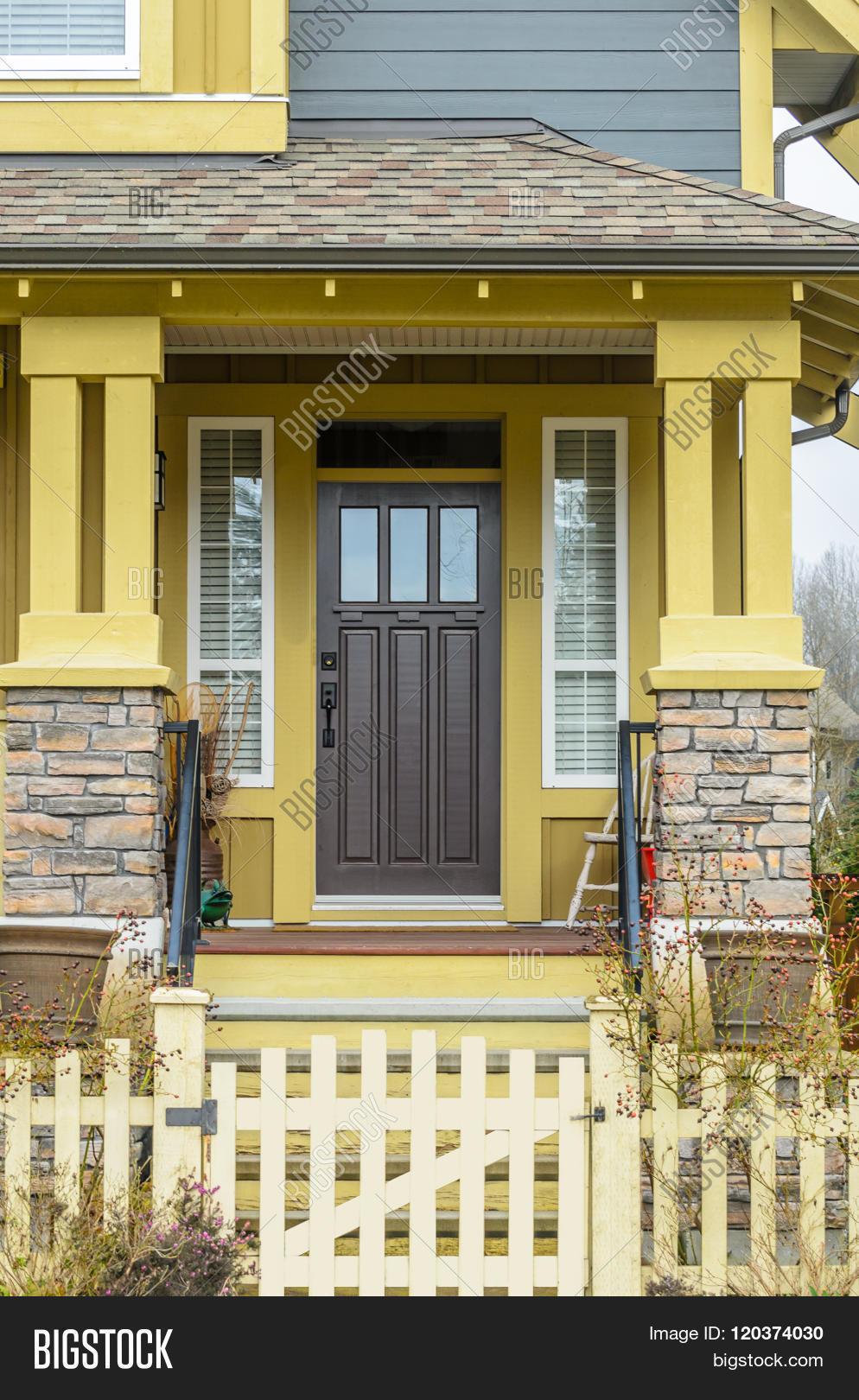 Nice Entrance Luxury House Image Photo Bigstock