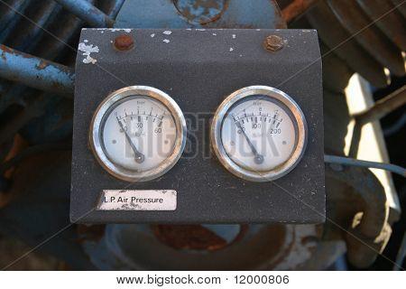 Air Pressure Meters