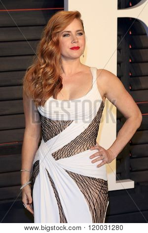 BEVERLY HILLS - FEB 28: Amy Adams at the 2016 Vanity Fair Oscar Party on February 28, 2016 in Beverly Hills, California