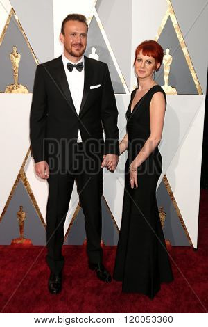 LOS ANGELES - FEB 28:  Jason Segel, Alexis Mixter at the 88th Annual Academy Awards - Arrivals at the Dolby Theater on February 28, 2016 in Los Angeles, CA