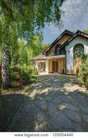 Driveway To Elegant Stylish Mansion