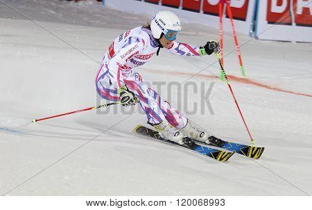 Nastasia Noens Skiing At A Slalom Event