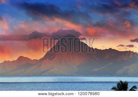 View on mountain Orohena at sunset. Polynesia. Tahiti.