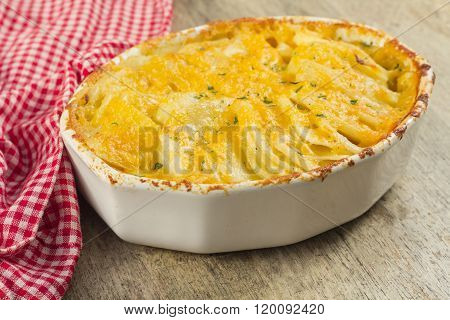 Baked cheesy potatoes au gratin scalloped potatoes