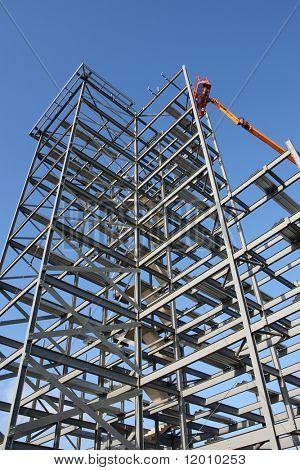 Marco de acero en construcción