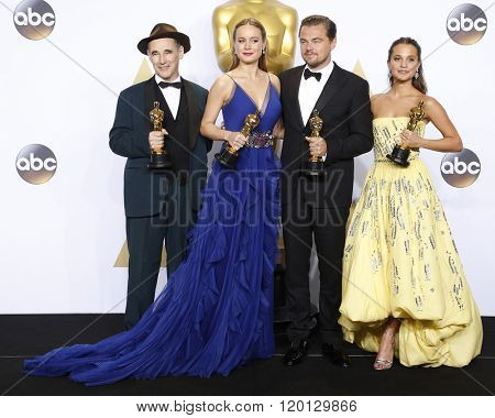 LOS ANGELES - FEB 28:  Mark Rylance, Brie Larson, Leonardo DiCaprio, Alicia Vikander at the 88th Annual Academy Awards - Press Room at the Dolby Theater on February 28, 2016 in Los Angeles, CA