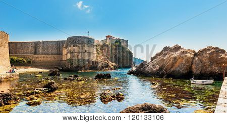 Pile Bay Near Dubrovnik Old Town With Fortress Bokar