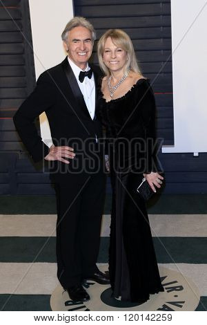 LOS ANGELES - FEB 28:  Dvid Steinberg, Robyn Todd at the 2016 Vanity Fair Oscar Party at the Wallis Annenberg Center for the Performing Arts on February 28, 2016 in Beverly Hills, CA