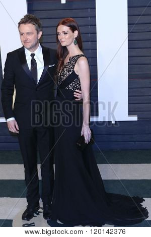 LOS ANGELES - FEB 28:  Chris Hardwick, Lydia Hearst at the 2016 Vanity Fair Oscar Party at the Wallis Annenberg Center for the Performing Arts on February 28, 2016 in Beverly Hills, CA