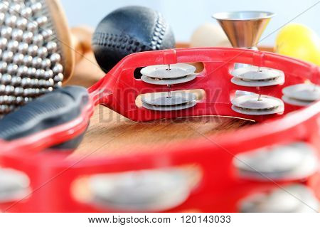 Set of percussion instruments
