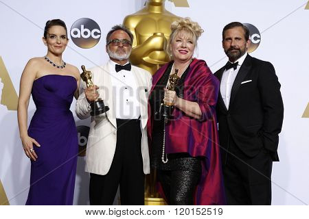 LOS ANGELES - FEB 28:  Tina Fey, Colin Gibosn, Lisa Thompson, Steve Carell at the 88th Annual Academy Awards - Press Room at the Dolby Theater on February 28, 2016 in Los Angeles, CA