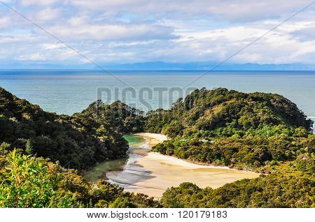 Frenchman Bay In Abel Tasman National Park, New Zealand