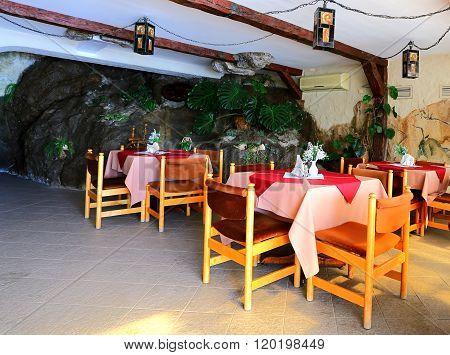 Restaurant In The Rock