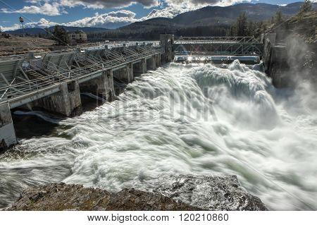 Rushing Water Of Post Falls Dam.