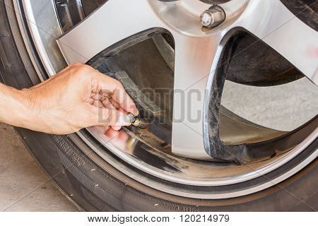 Hand Checking Tire Measurement