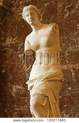Paris, France - November 27, 2009:  The Venus De Milo Statue In The Louvre Museum
