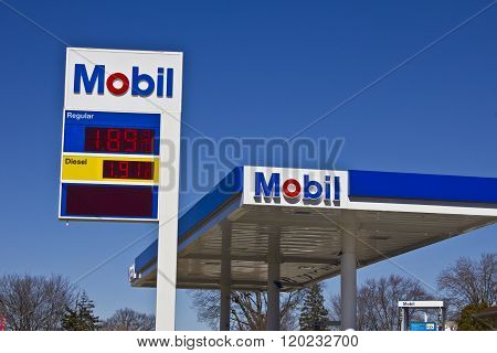 Indianapolis - Circa March 2016: ExxonMobil Retail Gas Location II