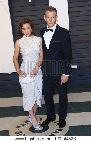 BEVERLY HILLS - FEB 28: Emma Forrest, Ben Mendelsohn at the 2016 Vanity Fair Oscar Party on February 28, 2016 in Beverly Hills, California