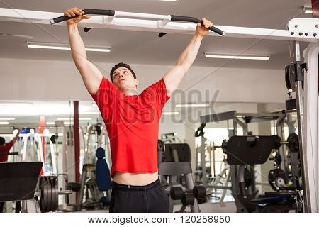 Getting A Good Grip Before Doing Pull Ups