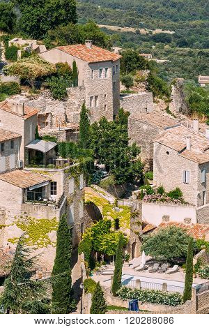 Picturesque hill top village of Gordes in Provence, France. Old