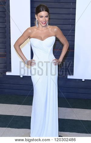 BEVERLY HILLS - FEB 28: Sofia Vergara at the 2016 Vanity Fair Oscar Party on February 28, 2016 in Beverly Hills, California