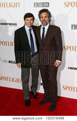 NEW YORK-OCT 27: Mike Renzendes (L) and actor Mark Ruffalo attend the 'Spotlight' New York premiere at Ziegfeld Theatre on October 27, 2015 in New York City.