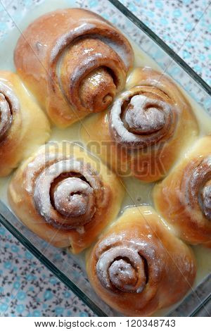 fragrant Cinnabon with cream and cinnamon
