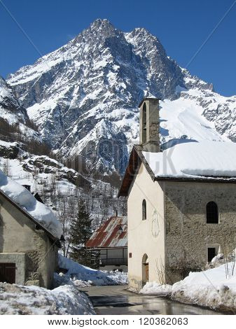 Barres des Ecrins mountain and mountain village