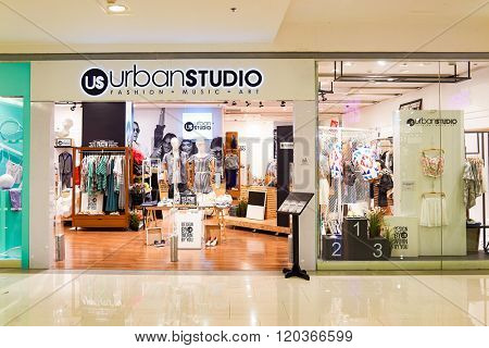 BANGKOK, THAILAND - JUNE 21, 2015: interior of shopping center. Shopping centers such as Siam Paragon, Central World Plaza, Emperium, Gaysorn and Central Chidlom become shopping Mecca for shopaholics