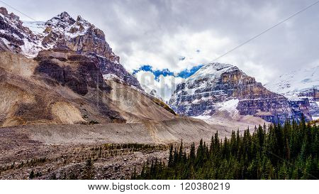 Rugged mountain peaks of The Mitre and Mount Aberdeen