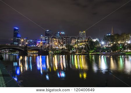 MELBOURNE, AUSTRALIA - APRIL 20 2014: Melbourne skyline by night at the Yarra River