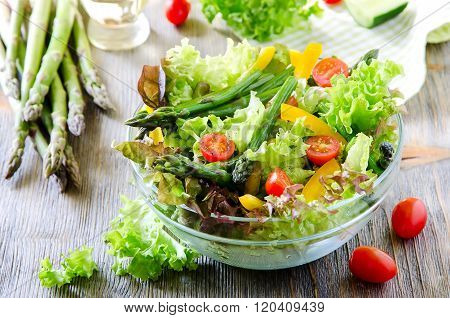 Fresh Mixed Salad With Green Asparagus For Healthy Snack