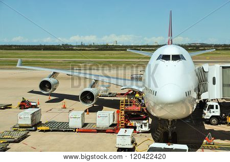 Qantas operated Boeing 747-400 is being loaded