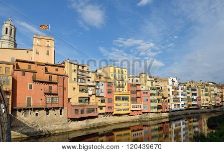 Old Colorful Houses On Onyar Riverbank In Girona, Catalonia, Spain.