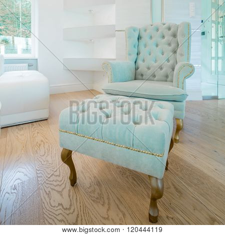 Royal style chair