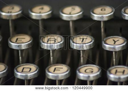 Old Typewrityer
