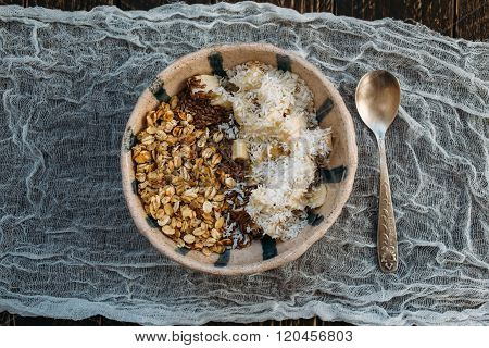 Granola With Flax Seeds