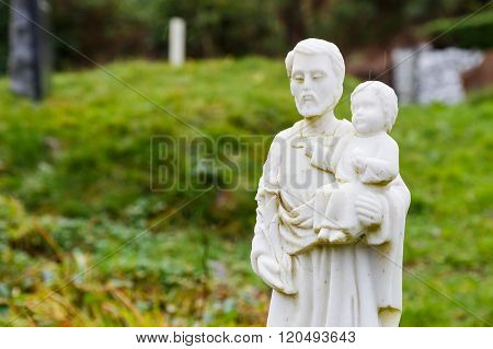Father And Son Statue