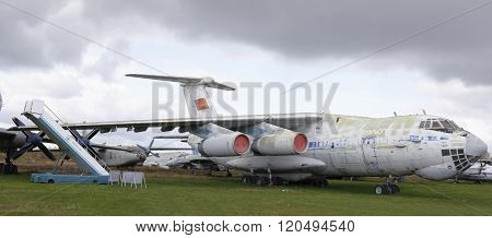 Il-76Md- Military Transport Aircraft (1971) .max.speed, Km / H-825