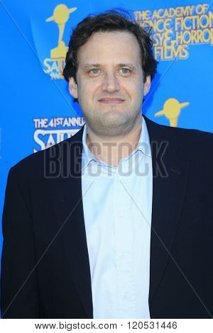 BURBANK - JUN 25: Andrew Kreisberg at the 41st Annual Saturn Awards at The Castaway on June 25, 2015 in Burbank, California,