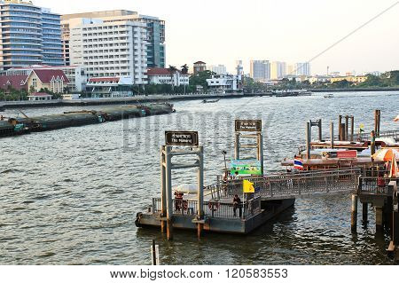 Bangkok,thailand - March 4, 2016: A Pier For Traveling Along Chao Phraya River On Regular City Boat