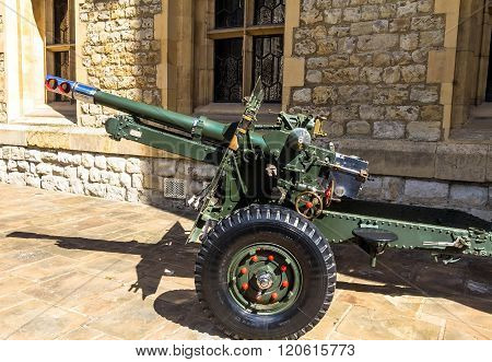 LONDON UK - JUNE 6 2015: British 25 Pounder Field Gun 1943 - saluting cannon in Tower of London until 2001 used by allies during Second World War.
