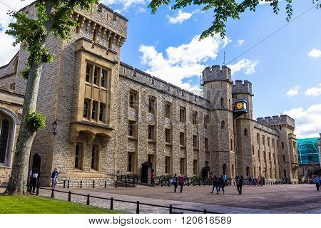LONDON UK - JUNE 6 2015: Unidentified tourists near south face of the Waterloo Block - Entrance into the vault of the royal jewels in Tower of London. UK