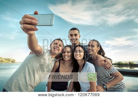 Selfie of grop happiness friends under sunlight.
