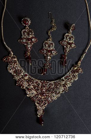 Beautiful Oriental gold jewelry (Indian Arab African Egyptian). Fashion Exotic Accessories Asian Gold jewelry. Tribal Jewelry for belly dance oriental costumes. Necklace Earrings