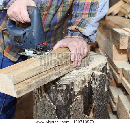 Sawing Squared Timber