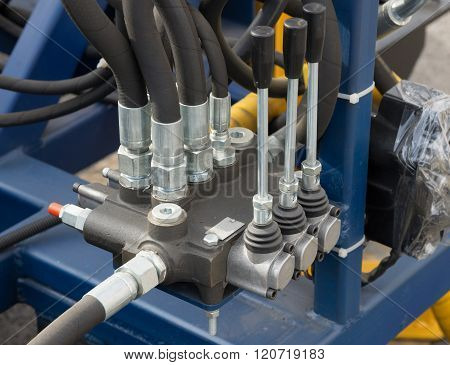 Hydraulic Tubes, Fittings And Levers