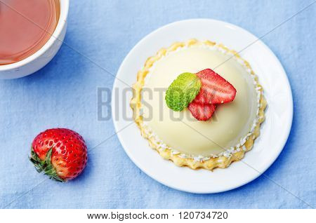 Strawberry White Chocolate Cream Cheese Mousse Cake